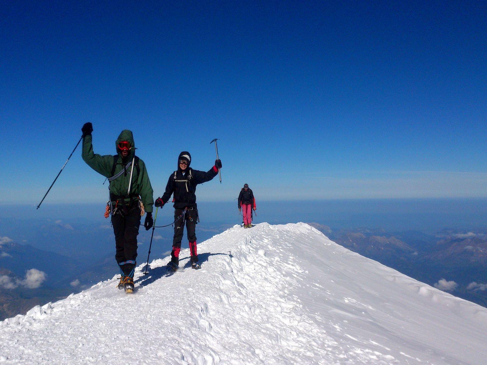 Duo arrivée sommet Mont Blanc séminaire ascension mythique