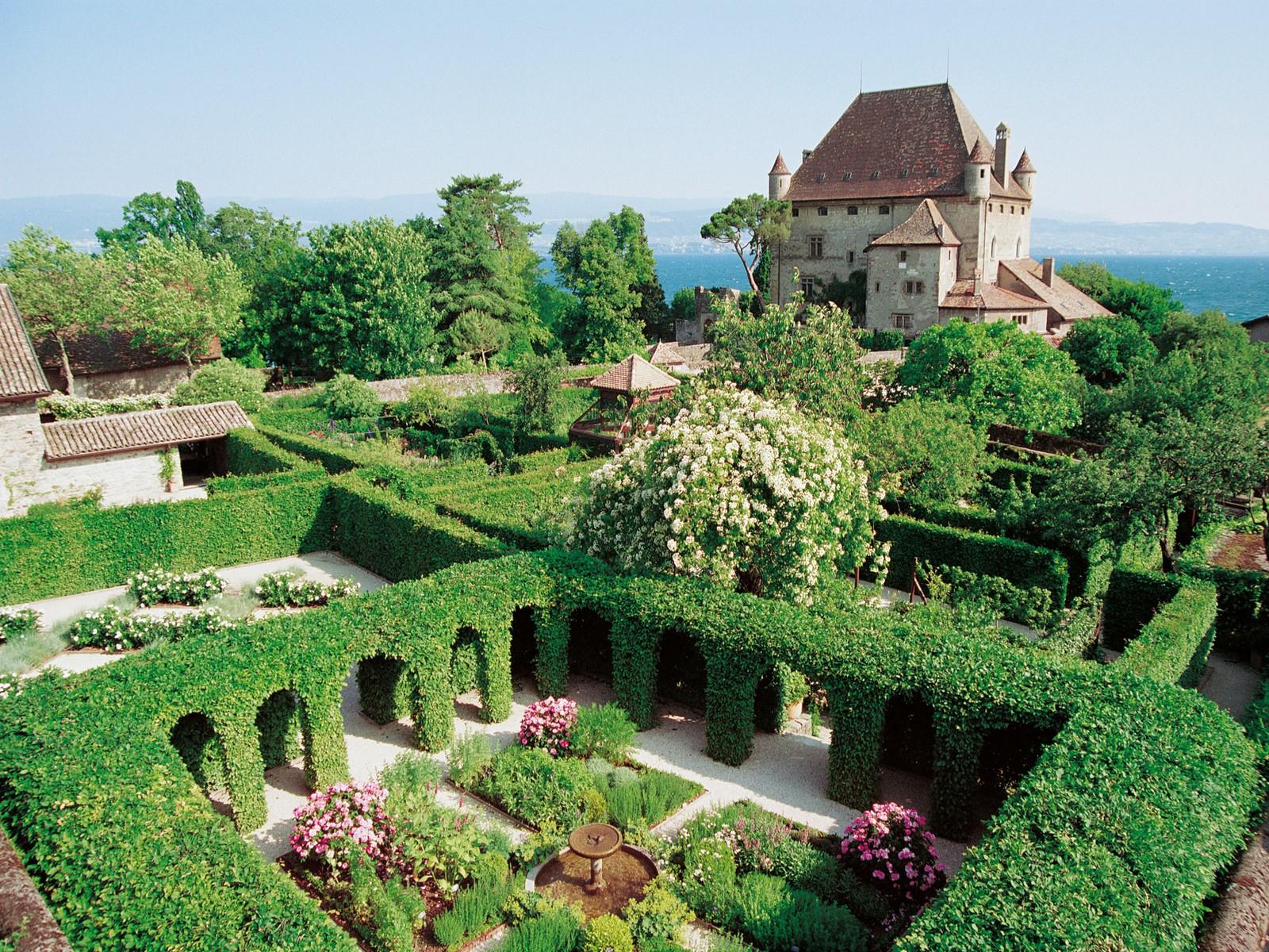 château et jardin séminaire à yvoire